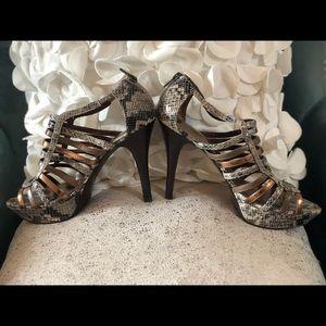 NWOT Women's Marc Fisher Faux Snake Skin Heels 8.5